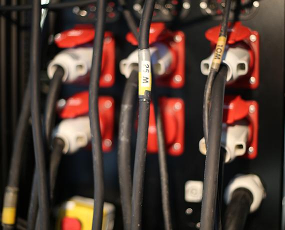 Distribution électrique câblage festival concert